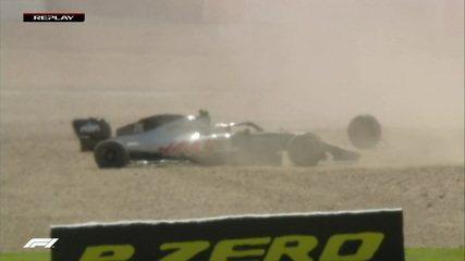 Magnussen é tocado por Albon e abandona GP da Inglaterra