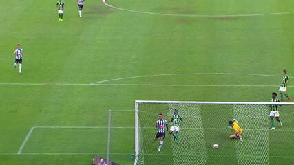 Gol do Atlético-MG! Arana acha Marrony, que bate para Nathan completar, aos 39' do 1T