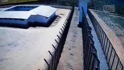 Vídeo mostra detentos fugindo de presídio em Ariquemes