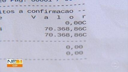 Auxiliar de serviços gerais devolve R$ 70 mil que apareceram em sua conta bancária