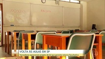 Vereadores de São Paulo aprovaram projeto de lei que garante retorno facultativo das aulas
