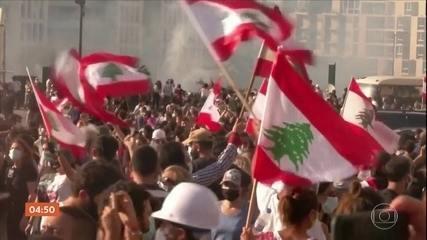 Manifestantes entram em confronto com a polícia em Beirute, capital do Líbano
