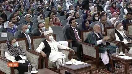 Afeganistão concorda em libertar 400 prisioneiros do grupo extremista islâmico, Talibã