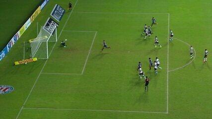 O gol de Bahia 1 x 0 Coritiba pela 2ª rodada do Brasileirão 2020