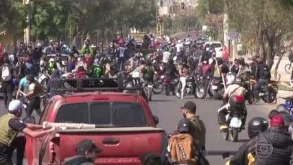 Bolívia está há dez dias em greve geral com bloqueios de estradas