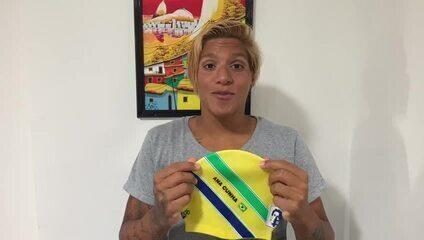 Ana Marcela vai competir com touca em homenagem a Ayrton Senna