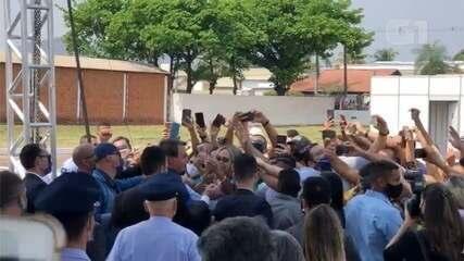 Bolsonaro inaugura estação radar da FAB e desrespeita decreto do ...