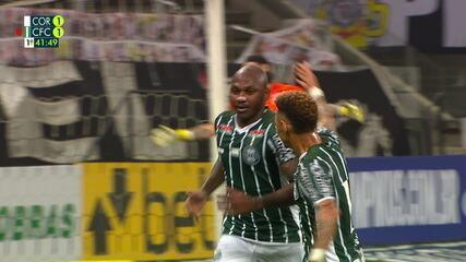Willian Matheus cruza para a área, e Sassá completa pro gol contra o Corinthians