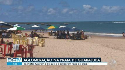 Praia de Guarajuba, no litoral norte baiano, tem movimento intenso neste fim de semana