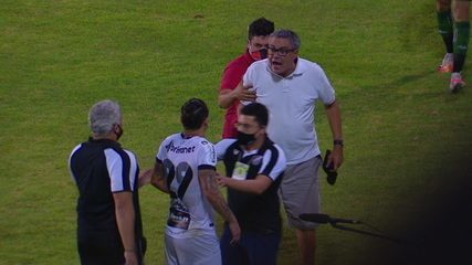 """Paulo Carneiro, presidente do Vitória, chama Vina para briga e dispara: """"vagabundo"""""""