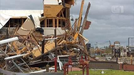 Furacão Laura deixa rastro de destruição em Lake Charles, no estado da Louisiana