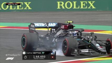 Bottas tem problema com o pneu dianteiro direito e vai direto