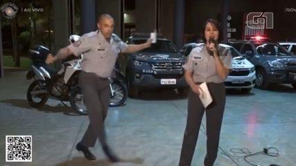 Veja trecho da live solidária em que capitão da Polícia Militar faz passinhos de dança