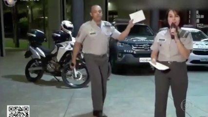 Policial militar faz sucesso a internet após dançar em live