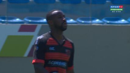 Gol do Oeste! Bruno Alves recebe, toca por cima do goleiro e marca golaço, aos 47 do 2'T