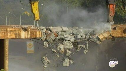 Trecho da Rodovia Raposo Tavares é interditado para demolição de viaduto em Angatuba