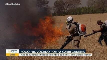 Incêndio que começou em retroescavadeira já dura mais de 30 horas, em Goiás