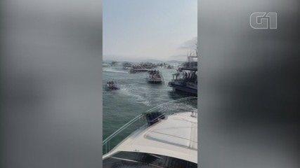 Imagens mostram dezenas de embarcações em festa irregular em Guarujá