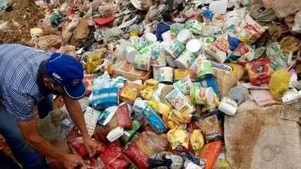 Vídeo mostra alimentos da merenda escolar jogados no lixo em Garça