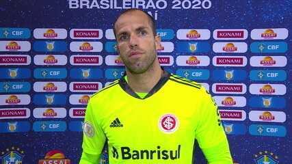 """Com boa atuação em campo, Marcelo Lomba analisa empate: """"É um momento de um pouquinho de oscilação"""""""