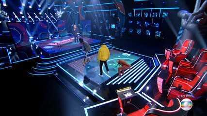 Simaria, da dupla com Simone, quebra sapato durante o 'The Voice Kids'