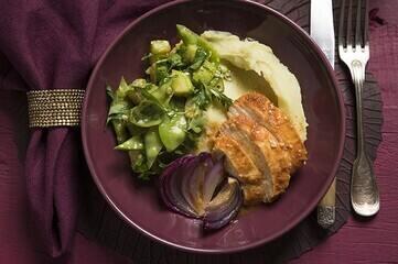 Papilote de frango com purê de batata-doce