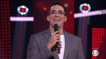 André Marques se emociona ao fazer anúncio sobre 'The Voice'