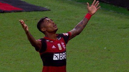 Gol do Flamengo! Bruno Henrique cobra pênalti muito bem e amplia aos 13 do 2º tempo