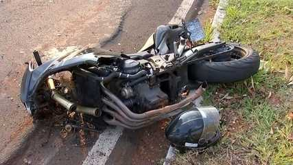 Motociclista de 22 anos morre após bater em outra moto em avenida de Bauru