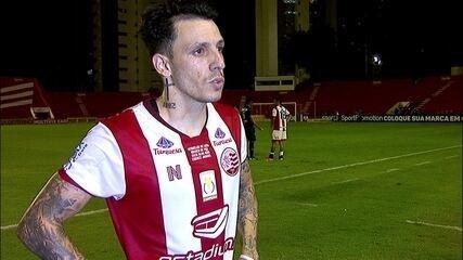 Jean Carlos exige reação do Náutico após mais uma derrota na Série B