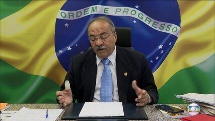 PF encontra dinheiro na cueca do senador Chico Rodrigues, vice-líder do governo no Senado
