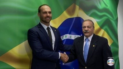 Senador flagrado com dinheiro na cueca deixa vice-liderança do governo Bolsonaro
