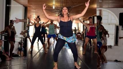 Professora de dança afro-brasileira compartilha sua arte com o mundo através da web