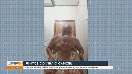 Familiares raspam cabelo junto com paciente para apoiá-la no tratamento contra o câncer