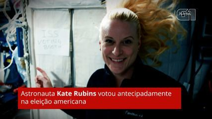 Astronauta Kate Rubins votou antecipadamente na eleição americana.