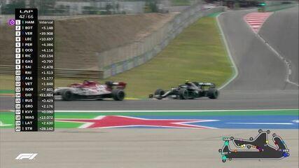 GP de Portugal: Na saída dos boxes, Bottas precisa diminuir velocidade