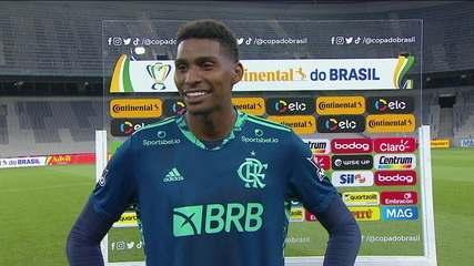 Hugo exalta a boa atuação e a vitória do Flamengo sobre o Athletico-PR