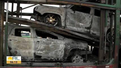 Polícia Civil investiga incêndio de caminhões-cegonha em Messias
