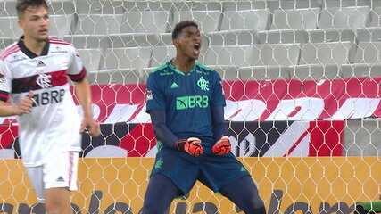 Hugo Souza defende pênalti e garante a vitória do Flamengo contra o Athletico-PR