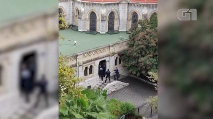 Vídeo registra sons de tiros em ação policial na Basílica de Notre-Dame, em Nice