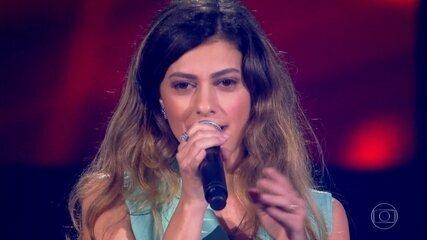 Sofia Moreno canta 'Pense em Mim'