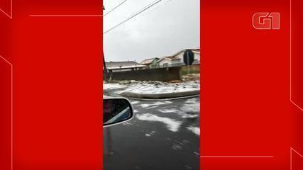 Granizo atinge ruas de Papanduva