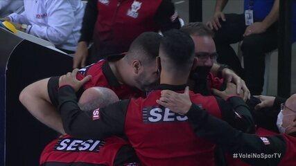 Melhores momentos de Sesi 3 x 1 América-MG pela Superliga Masculina de Vôlei
