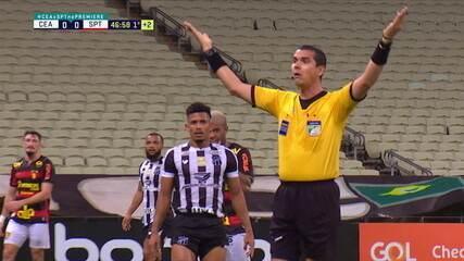 Jair Ventura faz reclamações e árbitro imita gestos do treinador