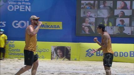 Pontos finais de Guto/Arthur 0 x 2 Alison/Álvaro Filho pelo Circuito Brasileiro de Vôlei de Praia