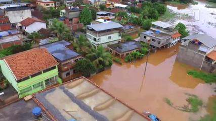 Imagens áreas mostram ruas alagadas no distrito de Laranjais, em Itaocara, no RJ