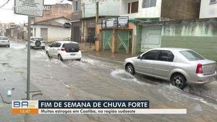 Fortes chuvas causam estragos na cidade de Caatiba, sudoeste da Bahia