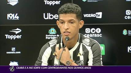 Desde saída de Arthur Cabral, Ceará vive má fase com centroavantes no time