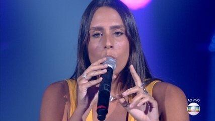 Amanda Coronha canta 'Relicário'