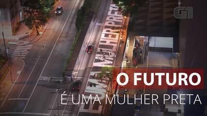 VÍDEO: Avenida em SP recebe pintura 'O futuro é uma mulher preta'